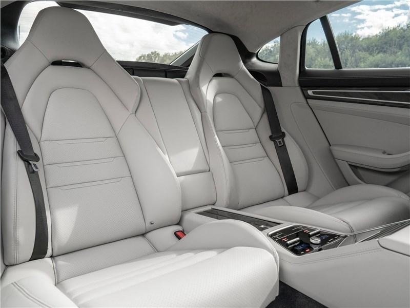 Porsche Panamera (2021) задний диван