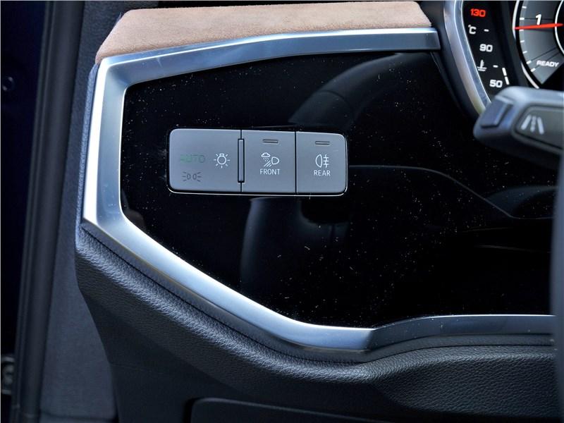 Audi Q3 2019 переключатель света