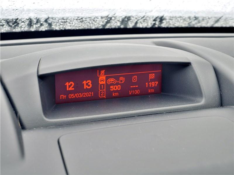 Peugeot Partner Tepee (2016) монитор