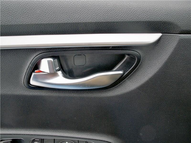 Kia Rio X (2020) ручка двери