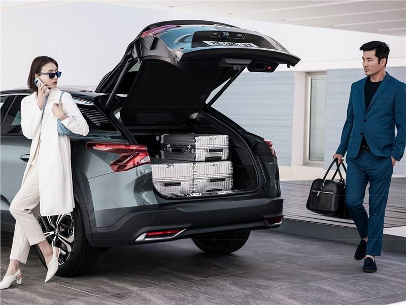 Citroen C5 X (2022) багажное отделение
