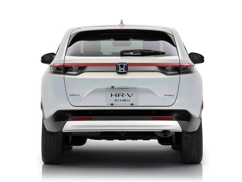 Honda HR-V (2022) вид сзади