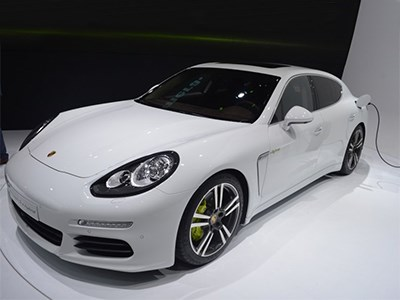 Porsche выпустит модификацию седана Panamera с двигателем от 918 Spyder
