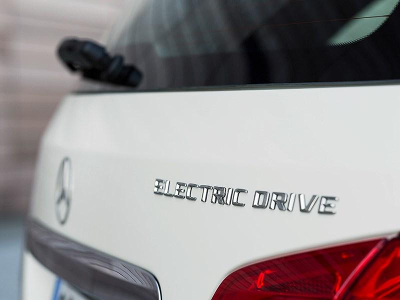 Mercedes-Benz B-Class Electric Drive 2014 фрагмент задней части кузова