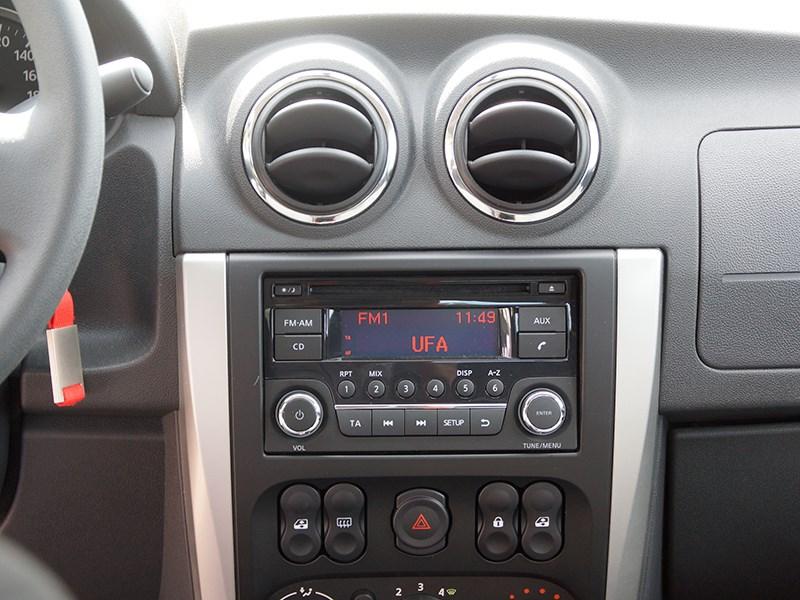 Nissan Almera 2014 мультимедийная система версии Comfort