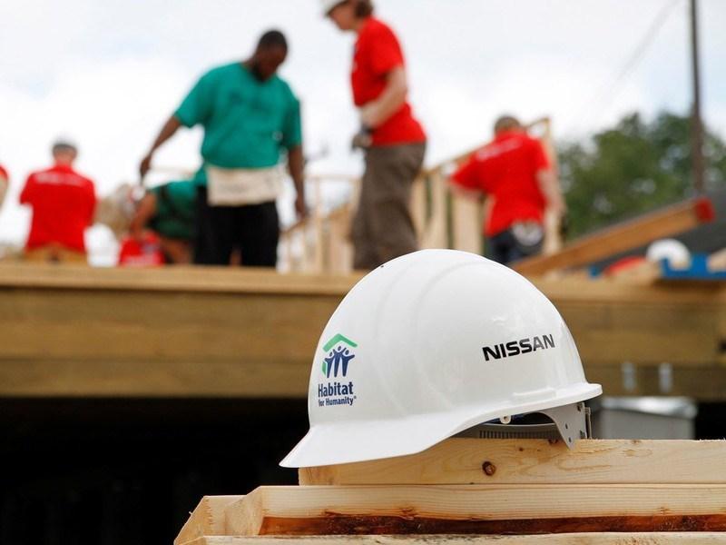 Nissan пожертвовал еще один миллион долларов благотворительной организации HFHI
