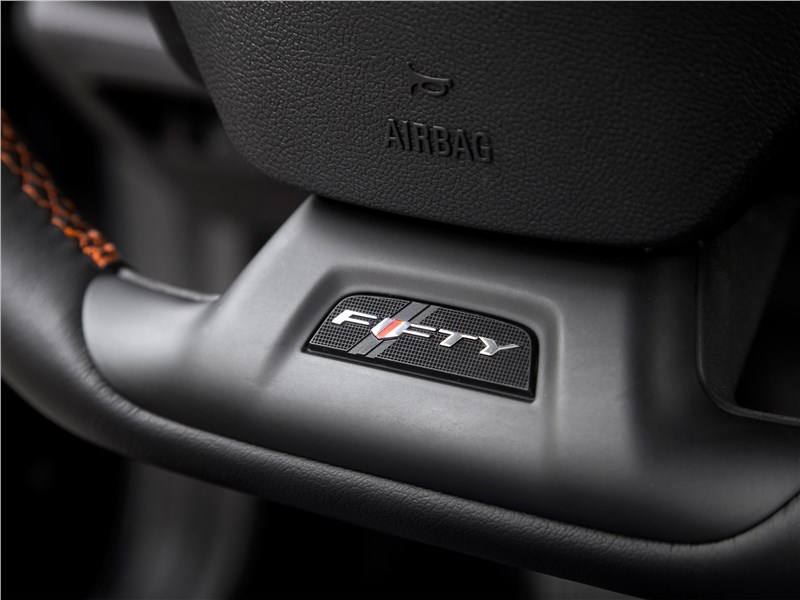 Chevrolet Camaro 2016 руль