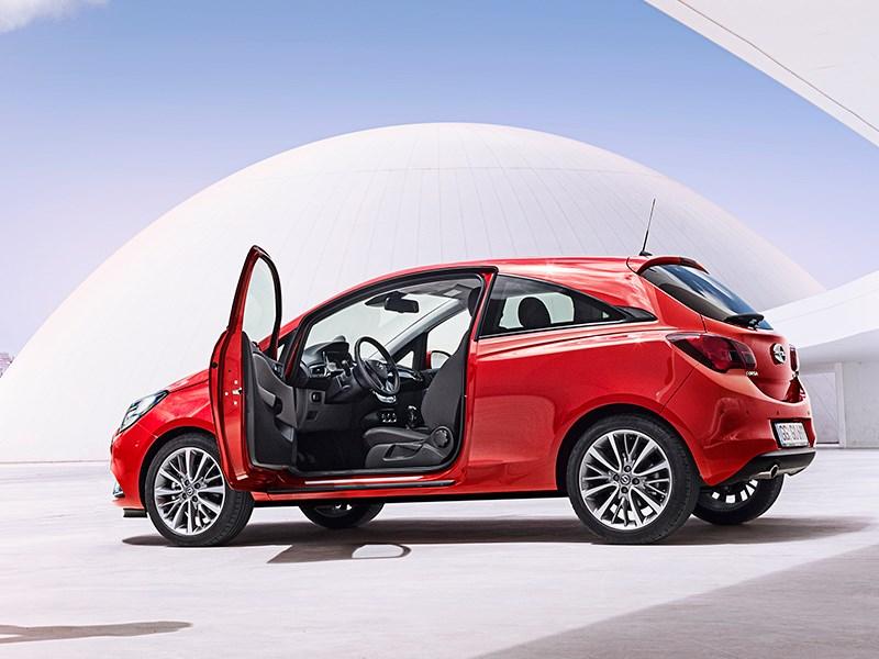 Opel Corsa 2015 вид сбоку