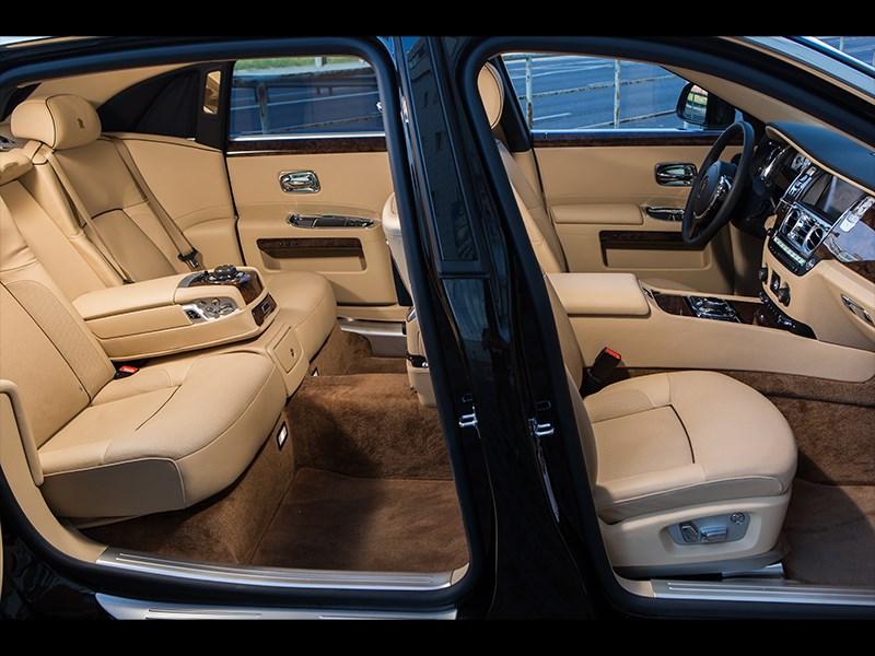 Rolls-Royce Ghost EWB 2013 салон