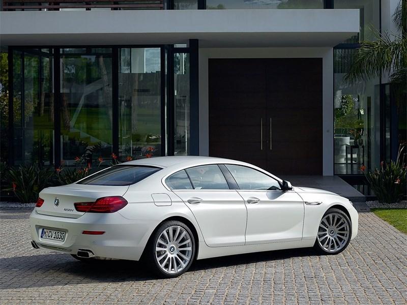 BMW 6-Series Gran Coupe 2015 вид сбоку сзади
