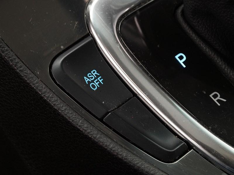 Brilliance V5 2014 кнопка отключения электронного «стабилизатора»