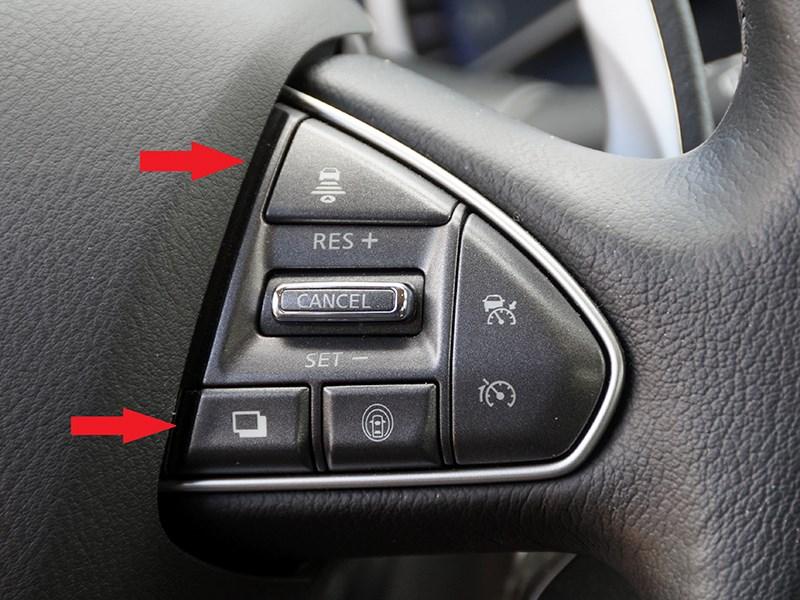 Infiniti Q50S Hybrid 2013 кнопки на руле