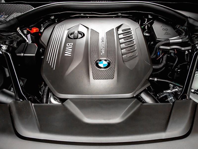 BMW 7-Series 2016 двигатель
