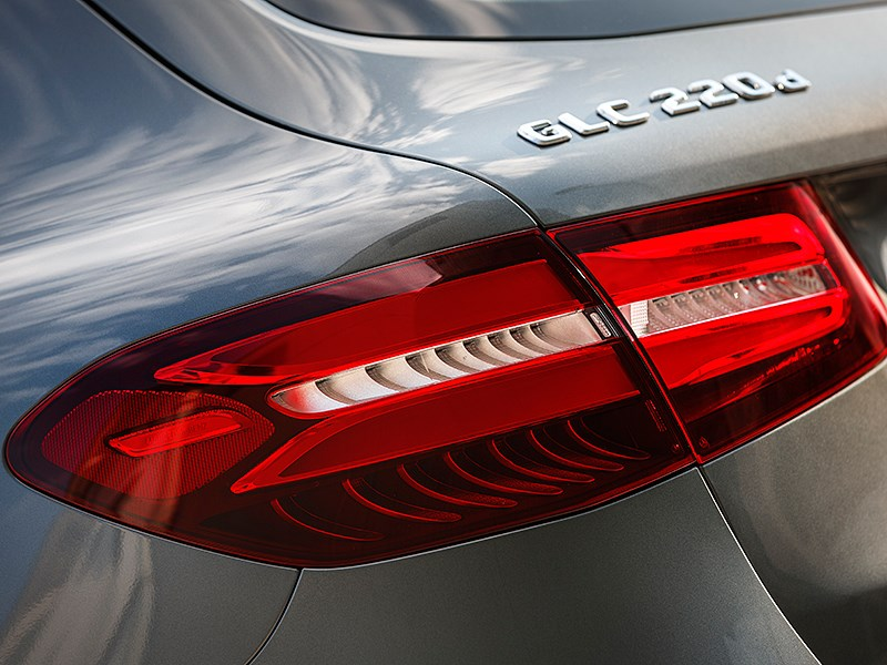 Mercedes-Benz GLC 2016 задний фонарь