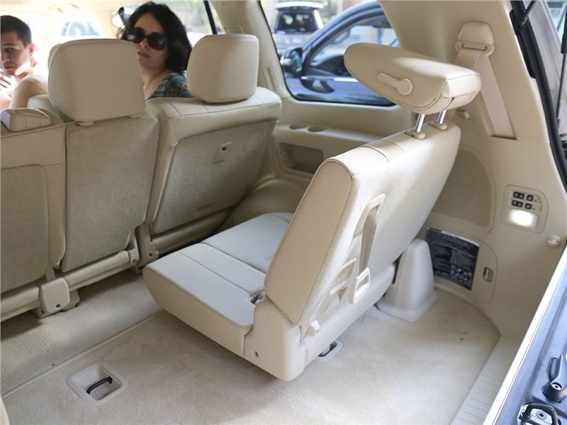 Lexus LX 2016 третий ряд