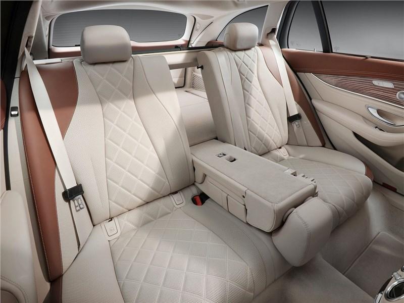 Mercedes-Benz E-Class Estate 2017 задний диван