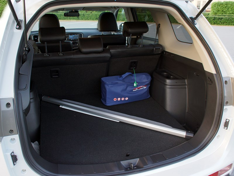 Mitsubishi Outlander 2013 багажное отделение