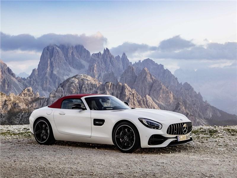 Mercedes-AMG GT C Roadster 2017 вид сбоку спереди