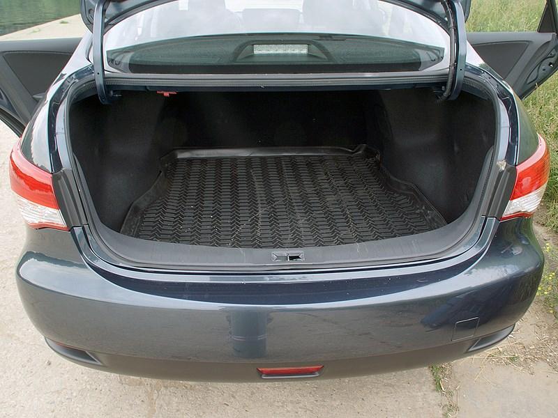 Nissan Almera 2013 багажное отделение