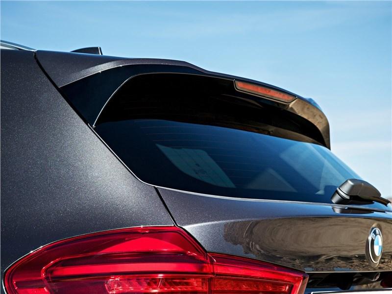 BMW X3 2018 заднее стекло