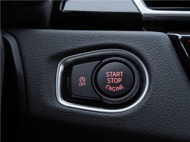 "BMW 2 Series Active Tourer 2017 кнопка ""старт-стоп"""