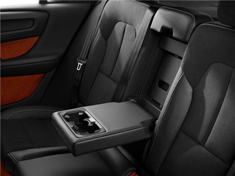 Volvo XC40 2018 задний диван