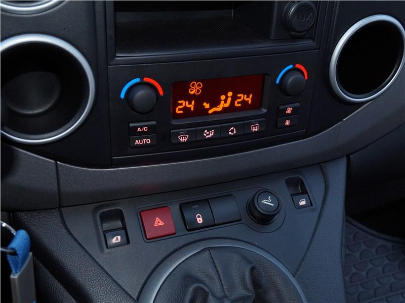 Peugeot Partner Tepee 2016 управление климатом
