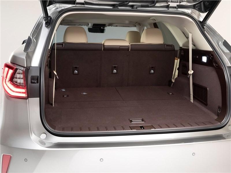 Lexus RX L 2018 багажное отделение