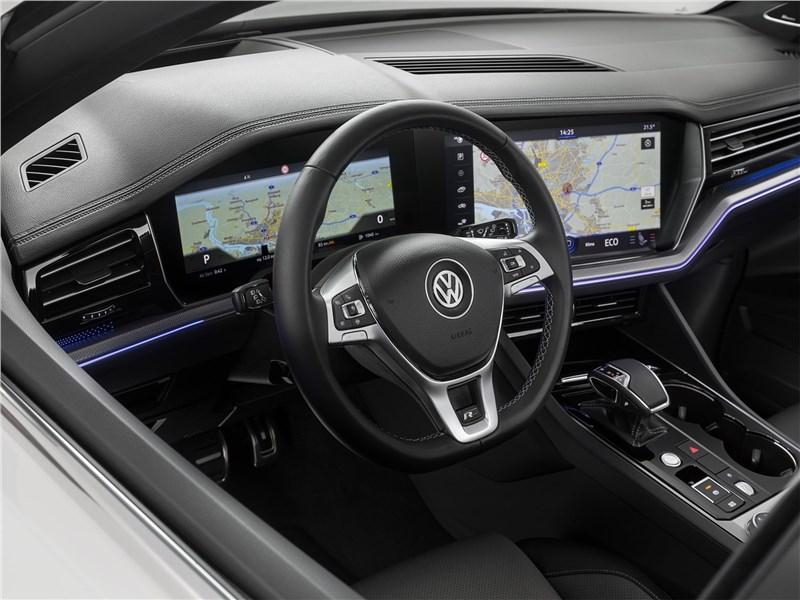 Volkswagen Touareg 2019 салон