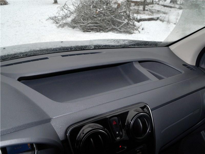 Renault Dokker 2018 торпедо