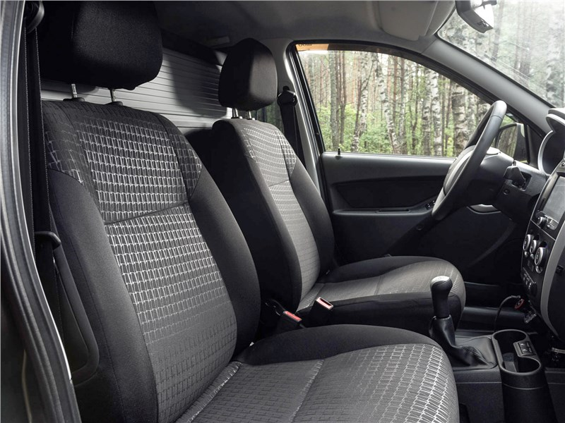 Datsun mi-Do 2018 передние кресла