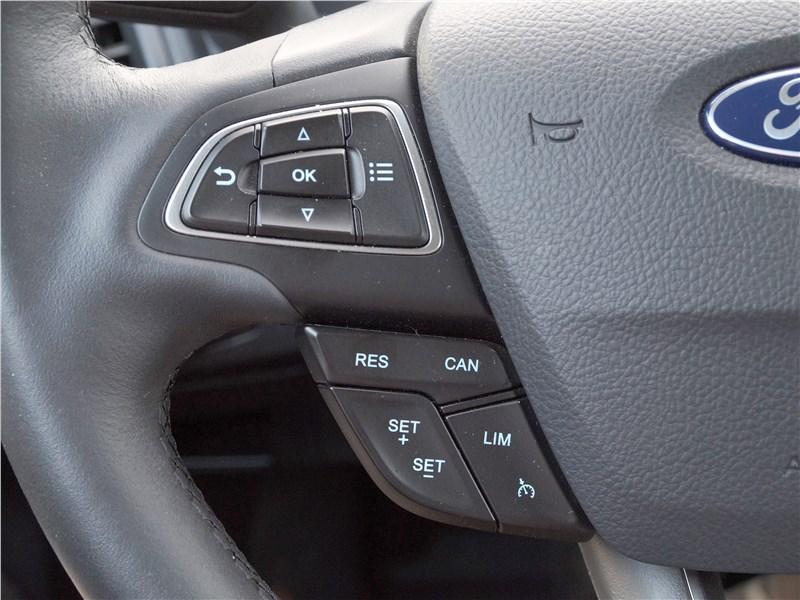 Ford EcoSport 2018 руль