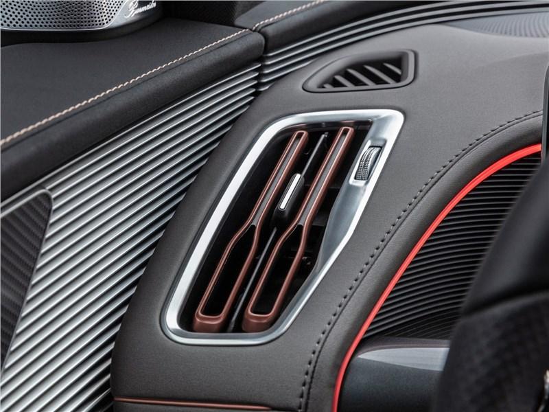 Mercedes-Benz EQC 2020 воздуховод