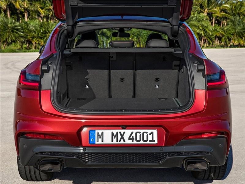 BMW X4 M 2019 багажное отделение