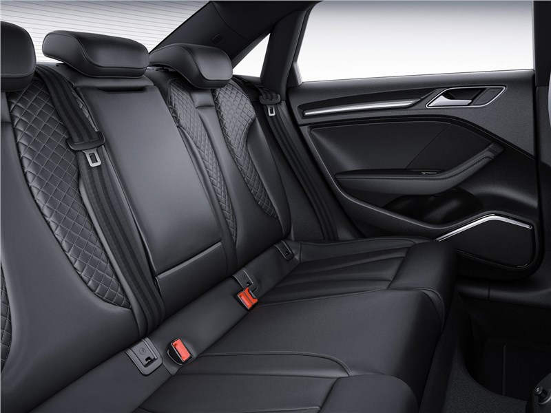 Audi S3 2017 задний диван