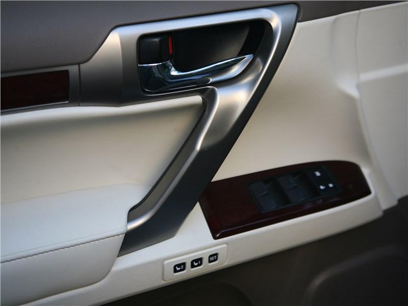 Lexus GX 460 2014 дверь