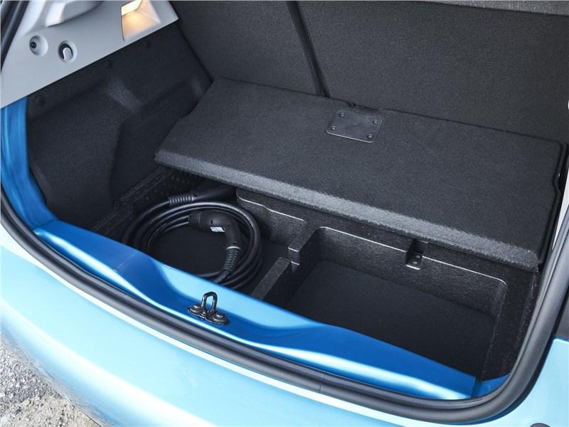 Renault Zoe 2020 багажное отделение