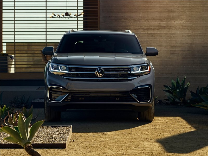 Volkswagen Atlas Cross Sport 2020 вид спереди