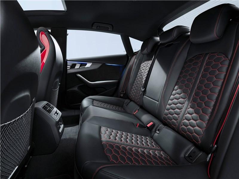 Audi RS5 Sportback 2020 задний диван