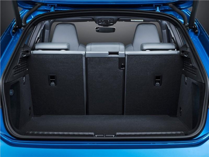 Audi A3 Sportback 2021 багажное отделение