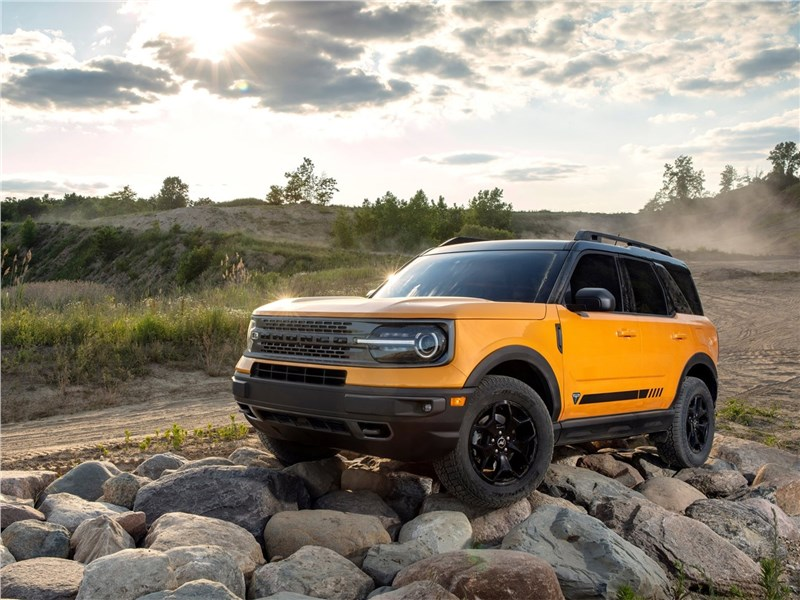 Ford Bronco Sport (2021) вид спереди