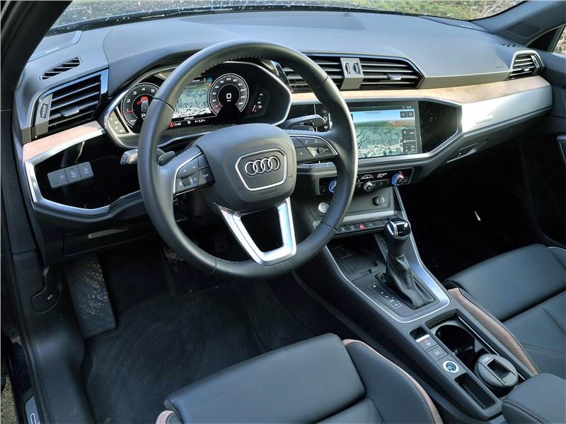 Audi Q3 2019 салон