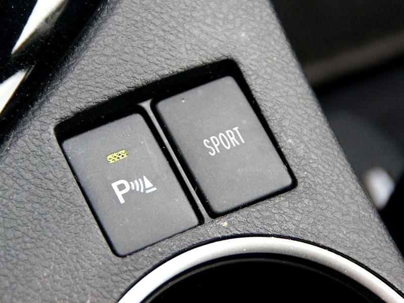 """Toyota Corolla 2013 включение режима """"спорт"""""""