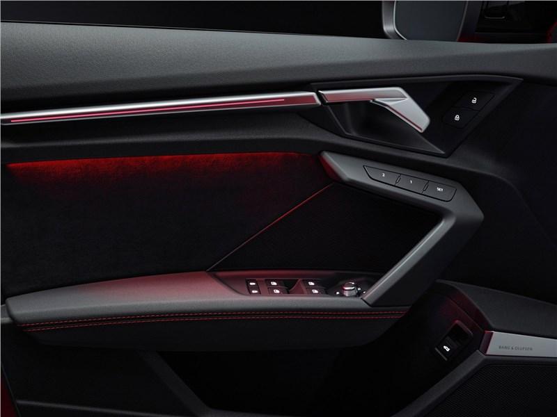Audi RS3 (2022) дверь