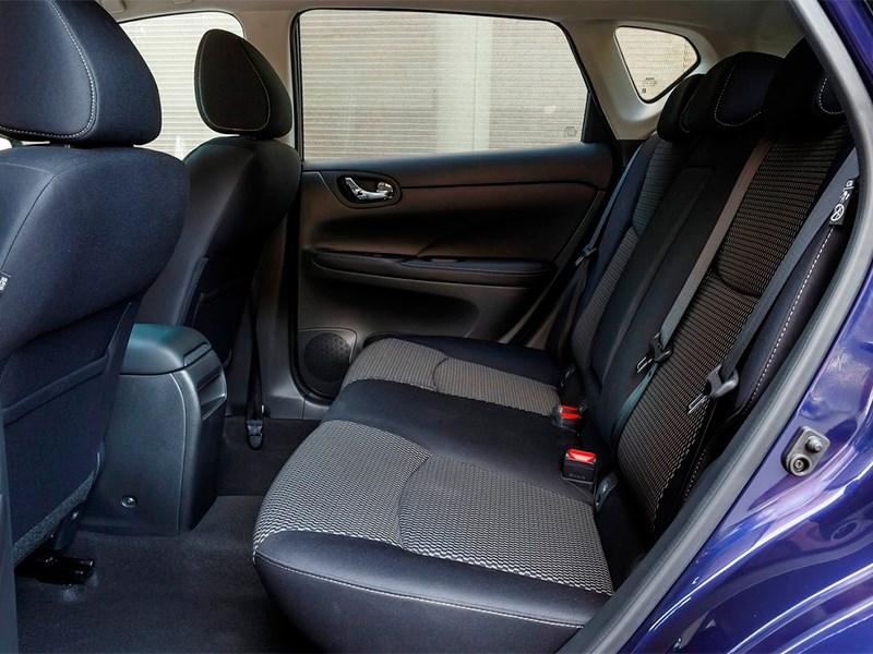 Nissan Pulsar 2015 задний диван