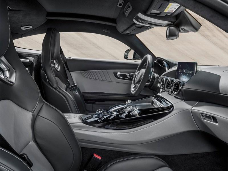 Mercedes-AMG GT 2015 кресла