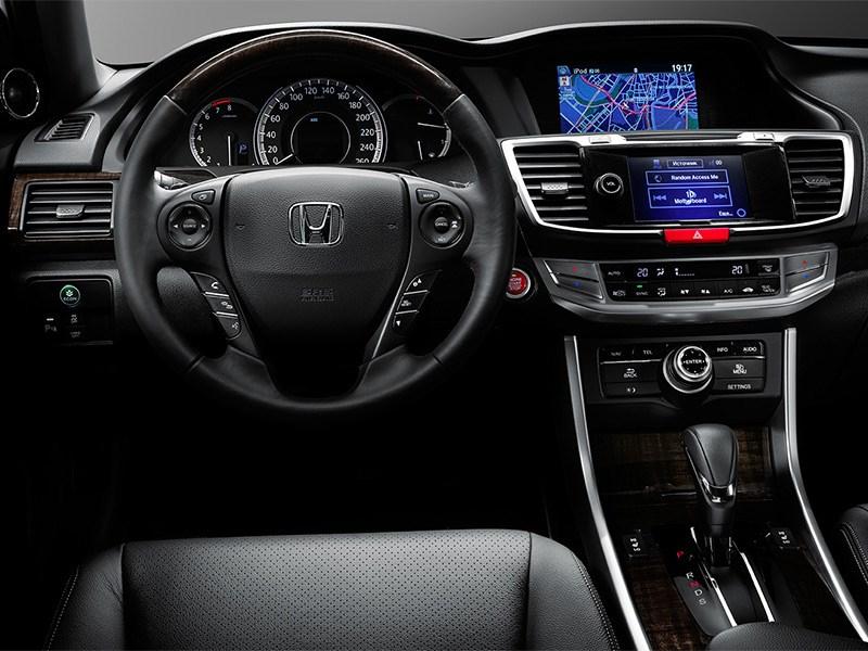 Honda Accord 2015 водительское место