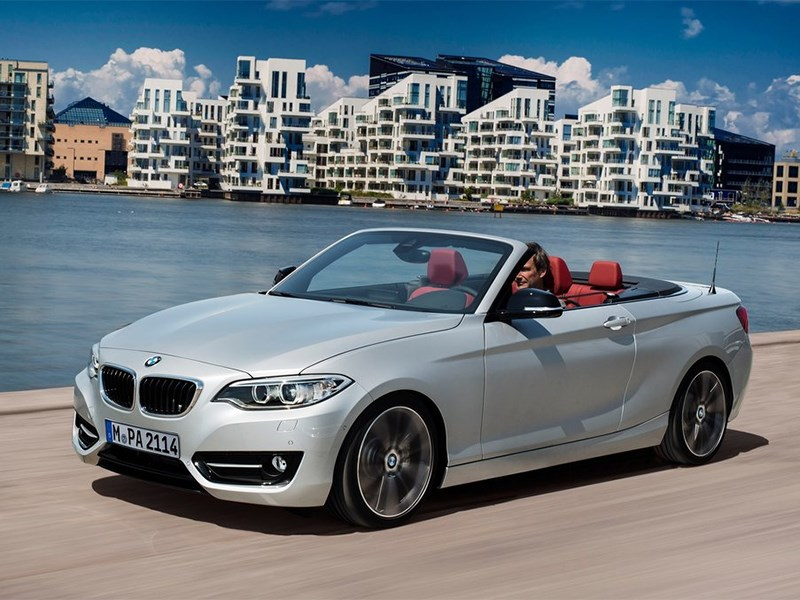 BMW 2 Series Convertible 2014 На воздух
