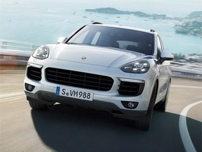 В модельном ряду премиального бренда Porsche уже три плагин-гибридных автомобиля