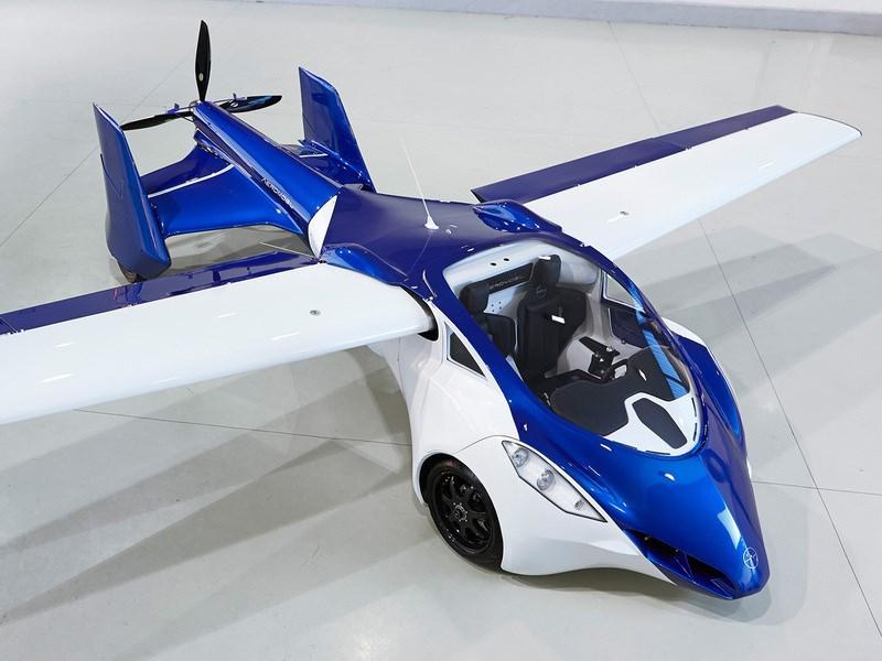 AeroMobil назвал дату начала продаж летающего автомобиля